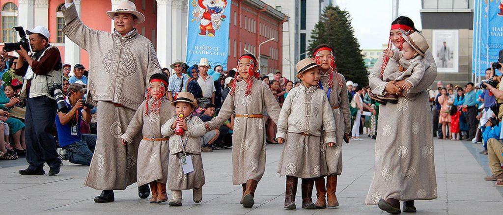 Mongolian deel in holidays